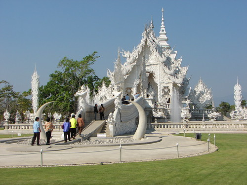 Wat Rong Khun - 02 by Iván Utz.