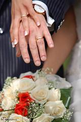 quel giorno  arrivato e..... (MaxRab) Tags: fedi mani fiori matrimonio pelle anelli bouque