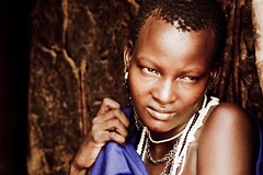 young mother (Nicola Zuliani) Tags: africa people gente kenya ritratto masai madre ragazza nizu diciottoanni nicolazuliani nntravel wwwnizuit