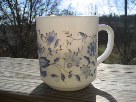 Arcopal Blue Onion Mug