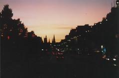 31 in Edinburgh1 (1) (divertom68) Tags: night analog germany deutschland scotland marine edinburgh europa europe fuji nacht navy scan 101 gb dämmerung hafen schottland wilhelmshaven seefahrt abenddämmerung grossbritannien dudelsack wehrpflicht whv gescannt landgang heimathafen kleinbildkamera 101a papierfoto zerstörergeschwader zeitsoldat berufssoldat auslandsreise hamburgklasse divertom68