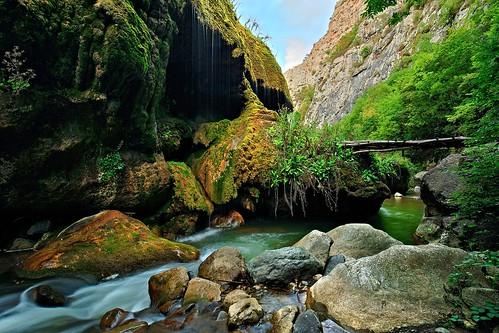 Hunot Gorge