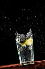 Spill! (emiliokuffer) Tags: glass drink explosion liquid vaso explosive bebida liquido strobist removedfromstrobistpool incompletestrobistinfo seerule2