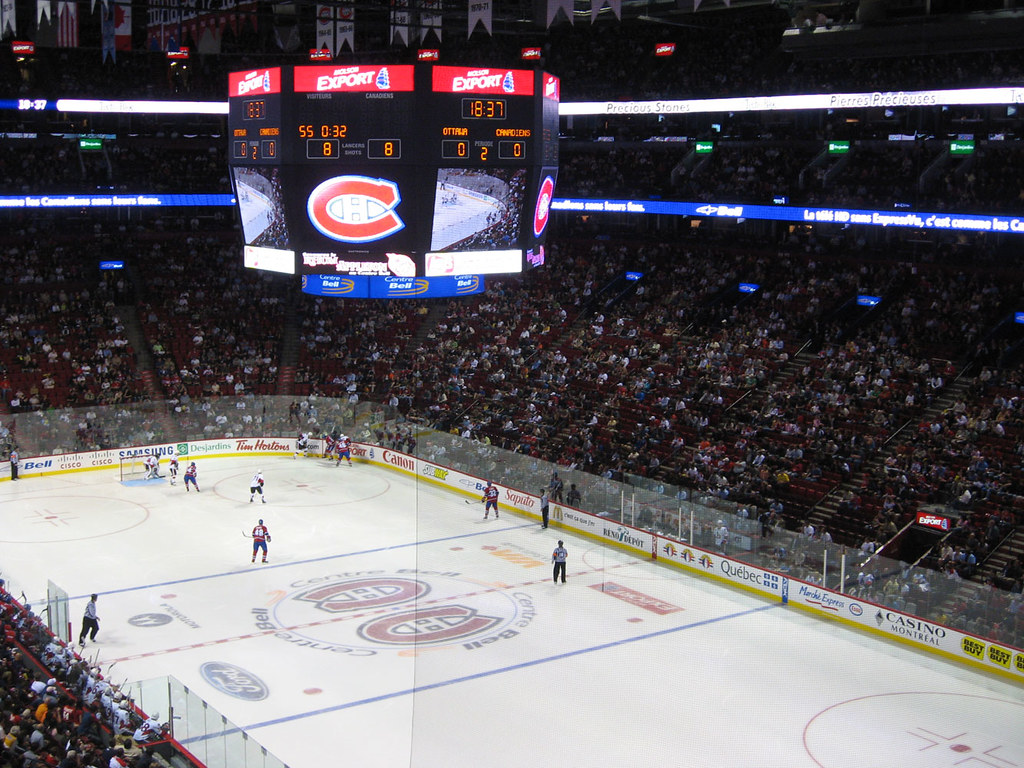 Centre Bell - Preseasonal Ice hockey game between Montreal and Ottawa