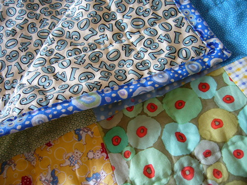 i spy -- Tummy Time Baby Quilt
