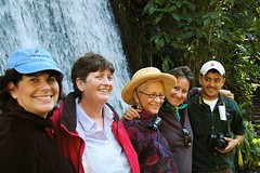Four Muchachas With Naturalist