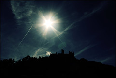 Icarus - St Michael's mount silhouette, Marazion, Cornwall (s0ulsurfing) Tags: blue light sky cloud sunlight weather silhouette clouds wow island cool cornwall skies contrail bright patterns silhouettes flare rays icarus sunrays nationaltrust contrails legend isle shafts beams myth starburst sunbeams stmichaelsmount 2007 marazion kernow blueribbonwinner westcornwall s0ulsurfing abigfave infinestyle coastuk mountsbay mondocafeclub