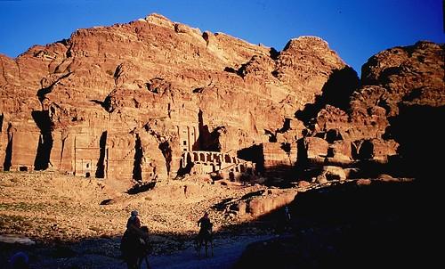 Alba a Petra