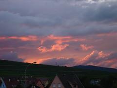 Couch de soleil (theblackdevil68) Tags: rouge soleil nuage couch