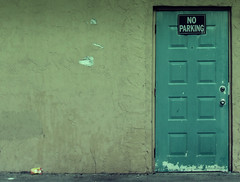 """No Parking"" Door (Aaron Escobar) Tags: door sign wall 35mm apartment miami outdoor noparking aaron fujifilm escobar appartment greentone"