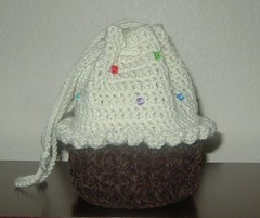 Cupcake Bag for Kalee (vegasangelbrat) Tags: cupcakebag crochetcupcake