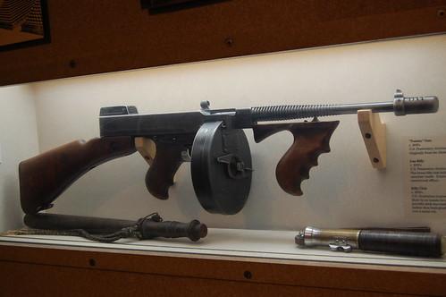 Tommy Gun by Batbob.