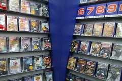 Saturn, Playstation 2 Game Shelf, Leipzig (włodi) Tags: shop shopping store box coverart stock games shelf videogames shops covers boxes saturn ps2 top10 stores playstation2 sklep gameshelf storeshelf półkisklepowe