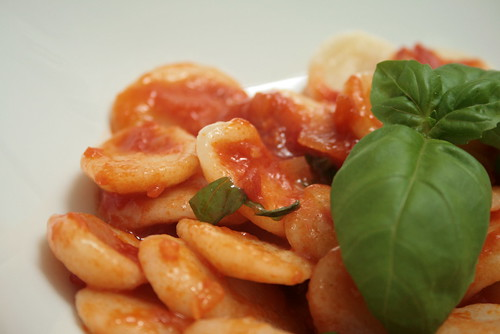 Orecchiettes, sauce tomate & basilic