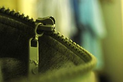 No Red Day (faungg) Tags: color macro texture sweater clothing nikon focus dof bokeh gray minimal zipper 1855mm dailylife 2008 minimalist    ordinarything d40x april122008