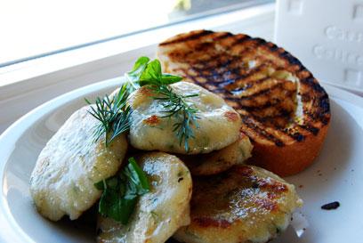 stekt gnocchi med ditll och gräslök