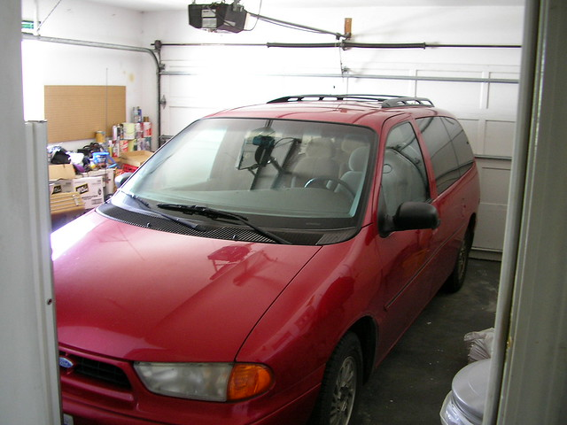 red ford 1999 windstar