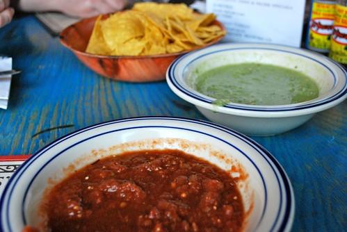 Salsas, at Dos Segundos