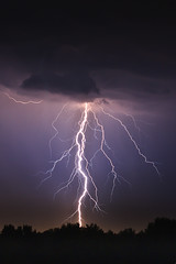 [Free Image] Nature / Landscape, Lightning / Thunderbolt, Night Sky, 201105250500