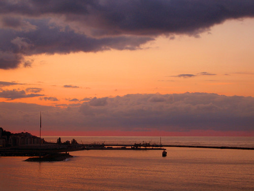 Rize Limanı by paşanınyeri.