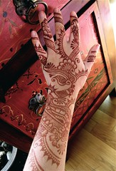 mehndi hand with peshawar furniture (HennaLounge) Tags: india persian gulf henna mehendi mehndi heena khalijee
