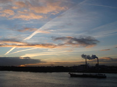 DSC04373 (Qsimple, Memories For The Future Photography) Tags: holland nederland boten nederlands merwede rivier schepen scheepvaart binnenvaart sonyt30 binnnenvaart qsimple