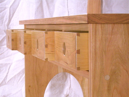 Shaker bench close up.