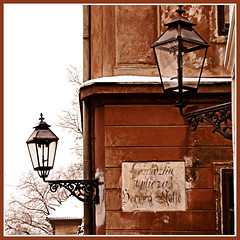 Gozpodzka Vulicza (felber) Tags: street winter snow lamp lights streetlight december streetlamps hiver croatia zagreb lamps oldcity croacia croatie gasse herrengasse 500x500 felber 10faves 25faves golddragon abigfave 5for2 aplusphoto agradephoto