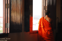 vocation (totomai) Tags: red orange thailand cambodia grandmother belief monk frombehind blogged behind tradition promise vocation vow bigmomma challengeyouwinner whatsontheotherside pkchallenge frombehindshot lphumble