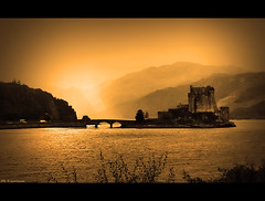 Misty day on the Island of Donan (Eilean Donan castle) . . . (grantthai) Tags: castle island scotland long fort loch eilean donan eileandonan fortified duich dornie jacobite firstquality 35faves alsh