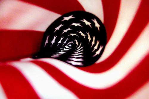 Za paljenje američke zastave deset dana zatvora