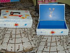 caixa de costura (Atelier Denise Fernandes) Tags: painting artesanato madeira pintura mdf decoupage guardanapo serviette costura decorativepainting pinturaemmadeira pinturaemmdf caixadecostura collagedeserviette