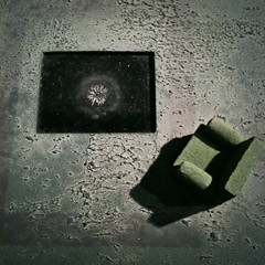 *iPhoned* - Work table (mnpix) Tags: paris sofa armchair fauteuil iphone frigos sculpteur reti lesfrigos matthieunicolas limaille magnétisme mnpics mnpix