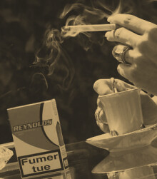 paris-cafe-cigarette