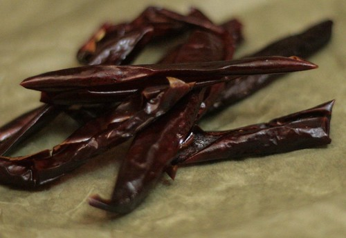Dried sweet peppers
