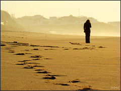 Caminho . Path (selenis) Tags: praia beach person pessoa path footprints pegadas caminho rasto superbmasterpiece ilustrarportugal sérieouro