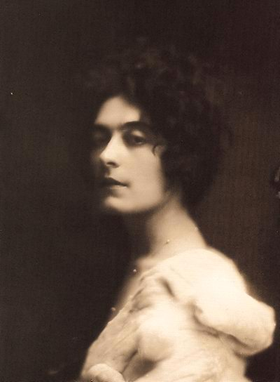 Esther Leão (1897-1971)