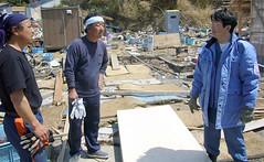 石巻再訪:仮設小屋を建てている方へコンパネを