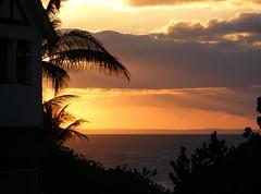 **Un coucher de soleil à Varadero...** (Impatience_1(retour progressif)) Tags: coucherdesoleil sunset varadero cuba voyagedegeneviève alittlebeauty fantasticnature coth coth5 sunrays5 100commentgroup abigfave impatience ciel sky paysage landscape