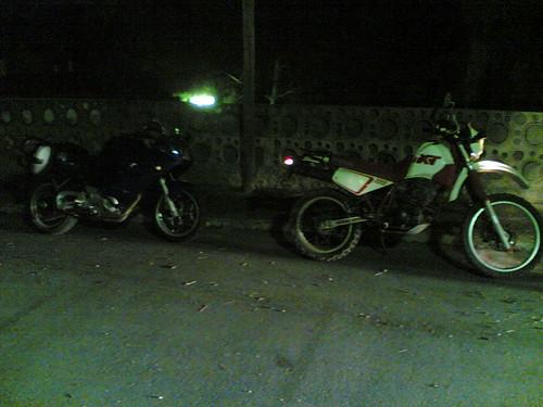 BMW F800ST y Yamaha XT350