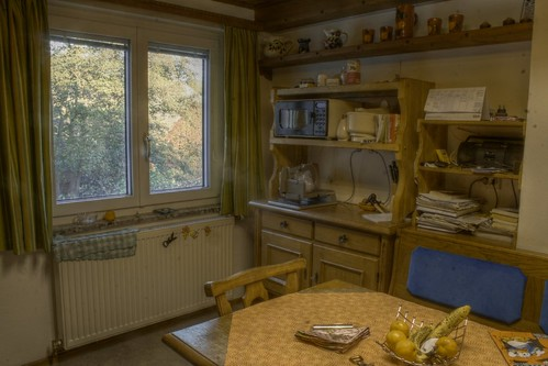 HDR: Kitchen