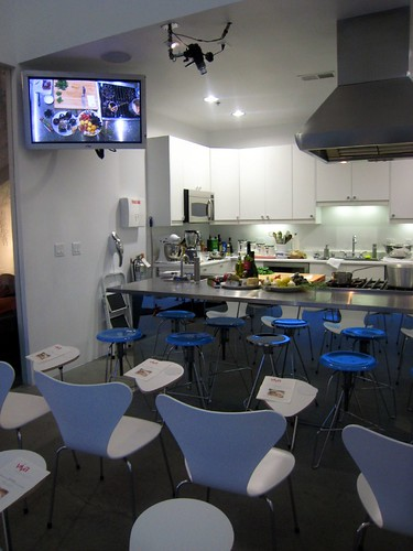 The Cool Viva Kitchen with Overhead Cam