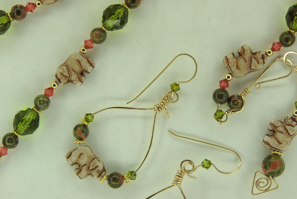 Elephantasy Earring and Necklace Set