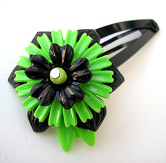Green and Black Vintage Flowers Barrette