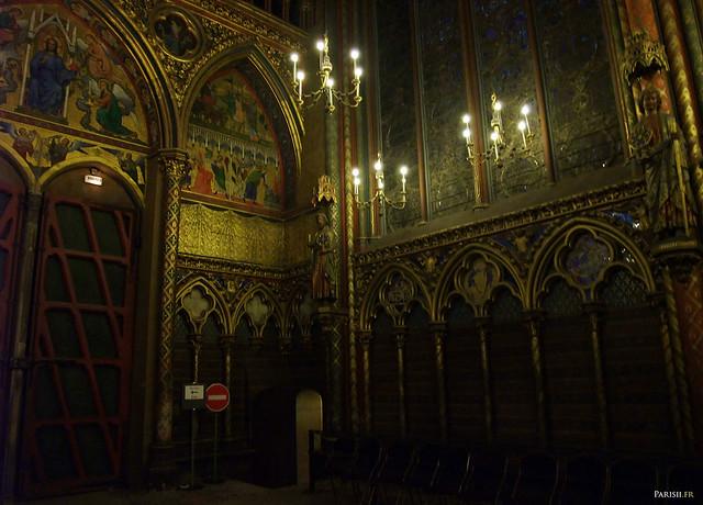 La grande porte de la chapelle haute