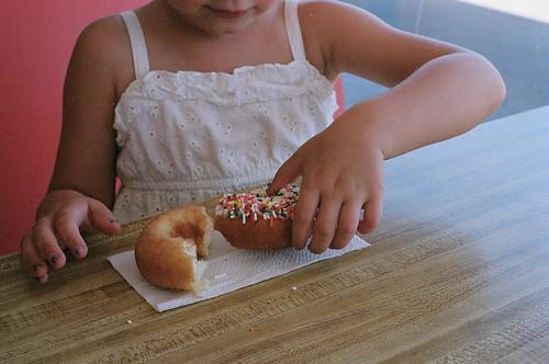 rainbow donuts1-59800017