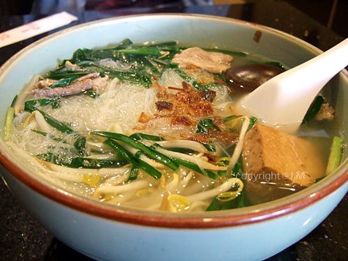 切仔麵 (Taiwanese style noodles)