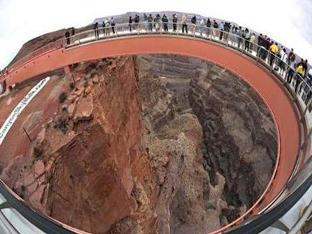 Horseshoe shaped Grand Canyon Skywalk allows 120 visitors at a time
