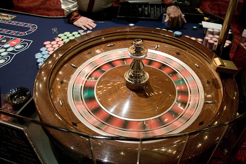cruise ship croupier job