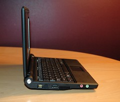 Asus Eee PC - Left Side